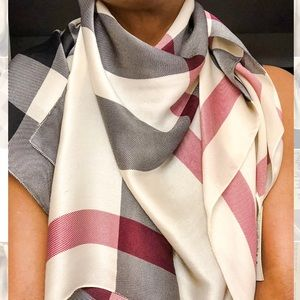 Classic check Mulberry silk oblong Scarf / Shawl